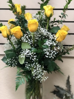 Dozen Yellow Roses Arrangement